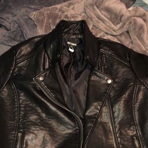 Leather jacket worn 1 time